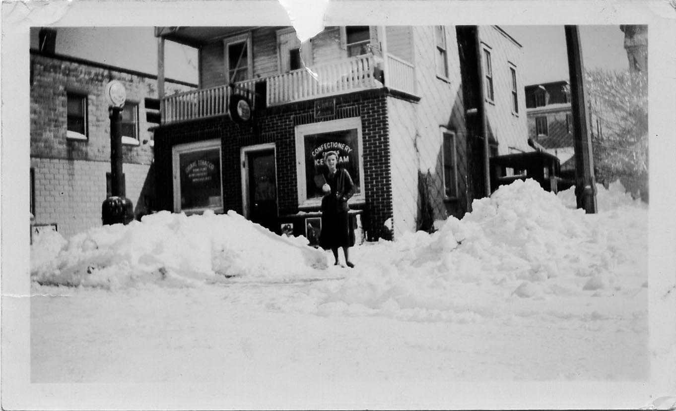 betty-braidwood-in-snow